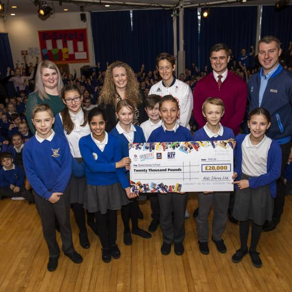 Queensway wins Aldi's Kit for Schools